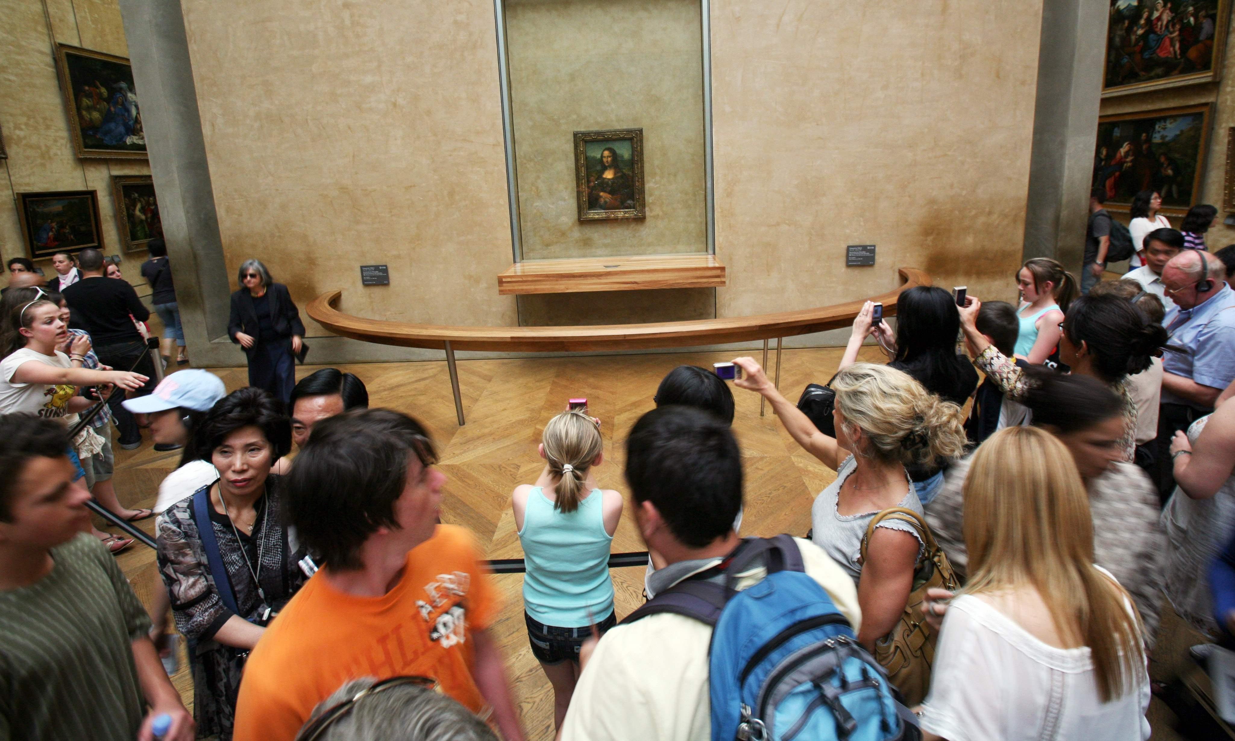 Mona Lisa fans decry brief encounter with their idol in Paris