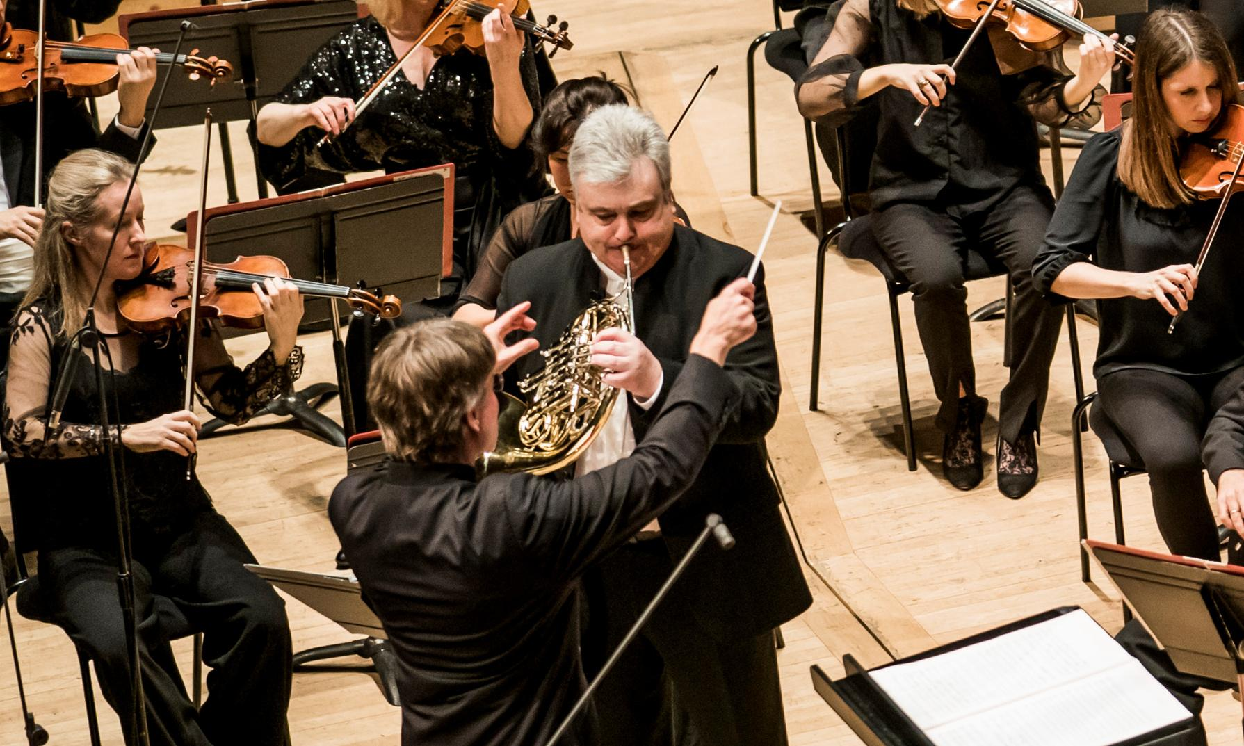 Philharmonia/Salonen review – Turnage gets the horn