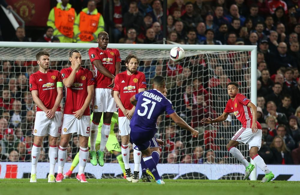 Michael Carrick, Zlatan Ibrahimovic, Paul Pogba, Daley Blind and Jesse Lingard defend a free-kick from Youri Tielemans.