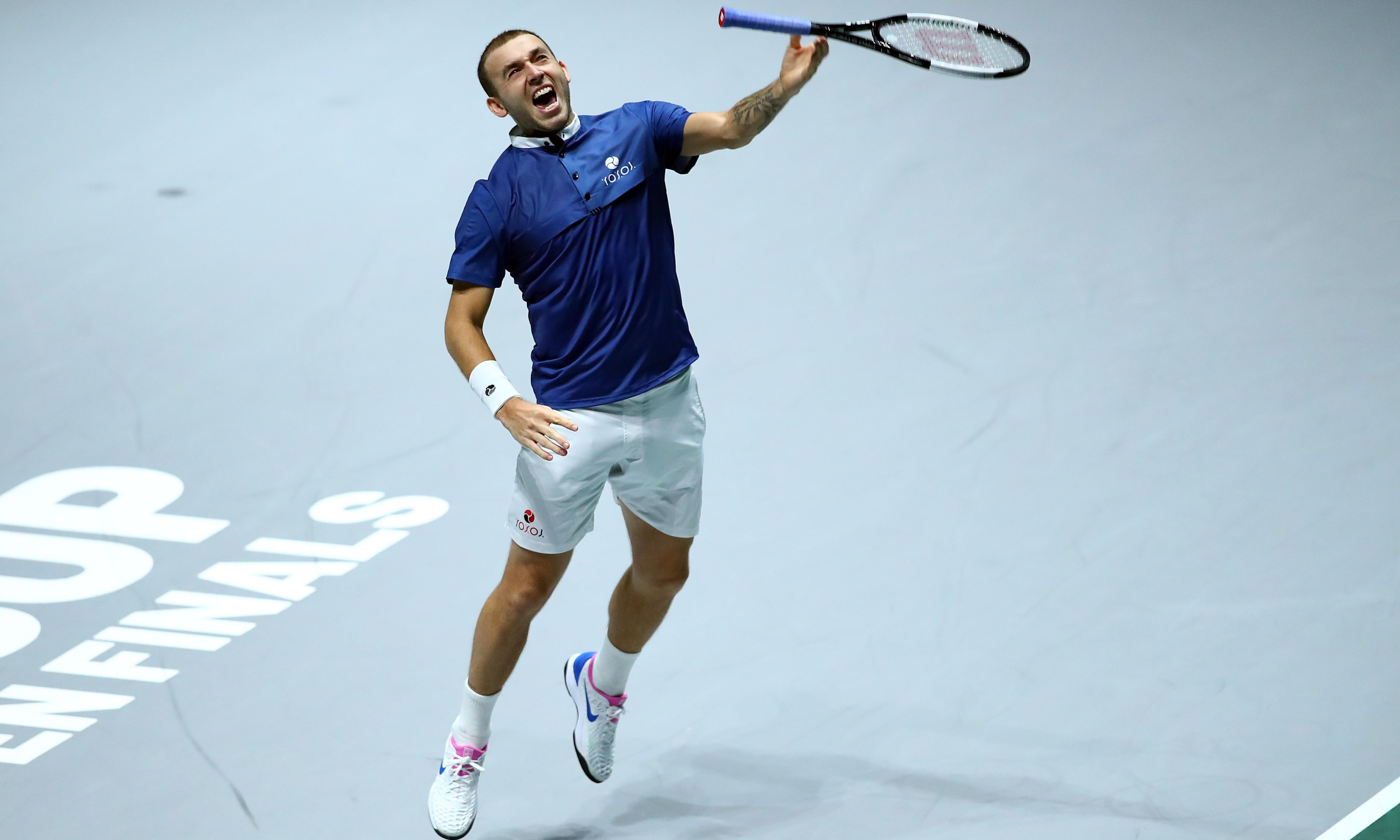 Dan Evans holds nerve as Britain beat Germany in Davis Cup quarter-final