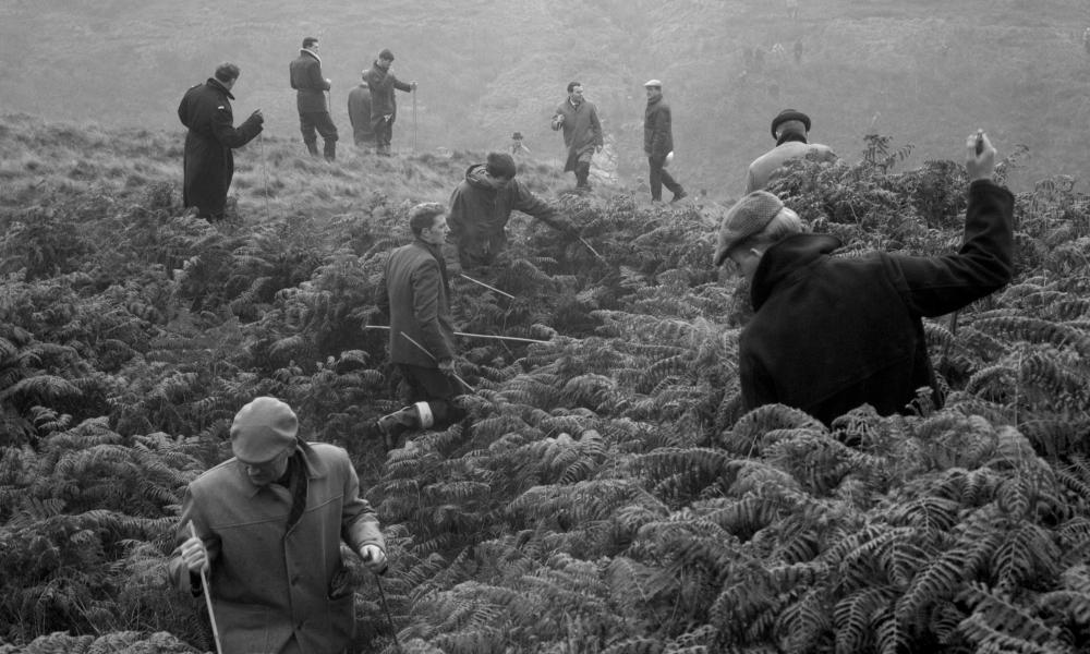 Police searching on Saddleworth Moor in October 1965