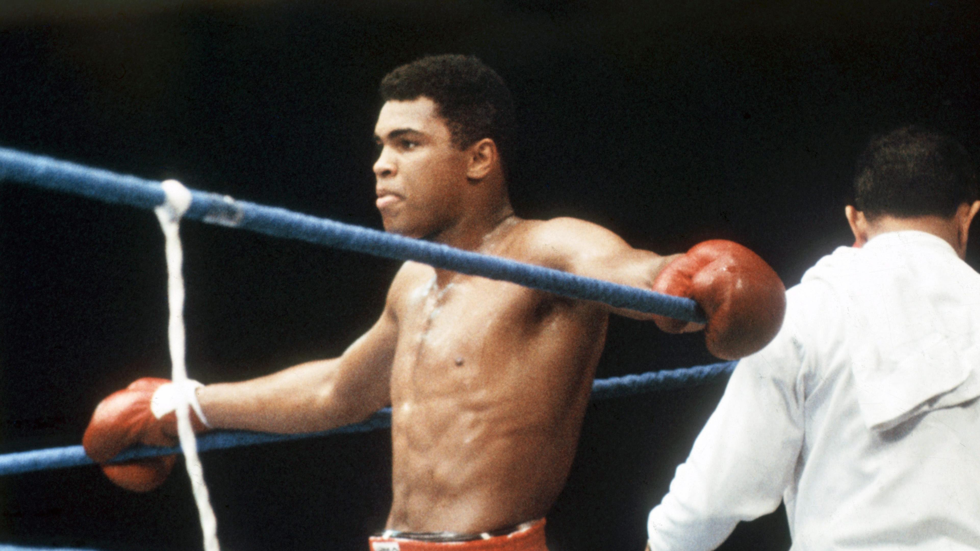 Barack Obama pays tribute to Muhammad Ali