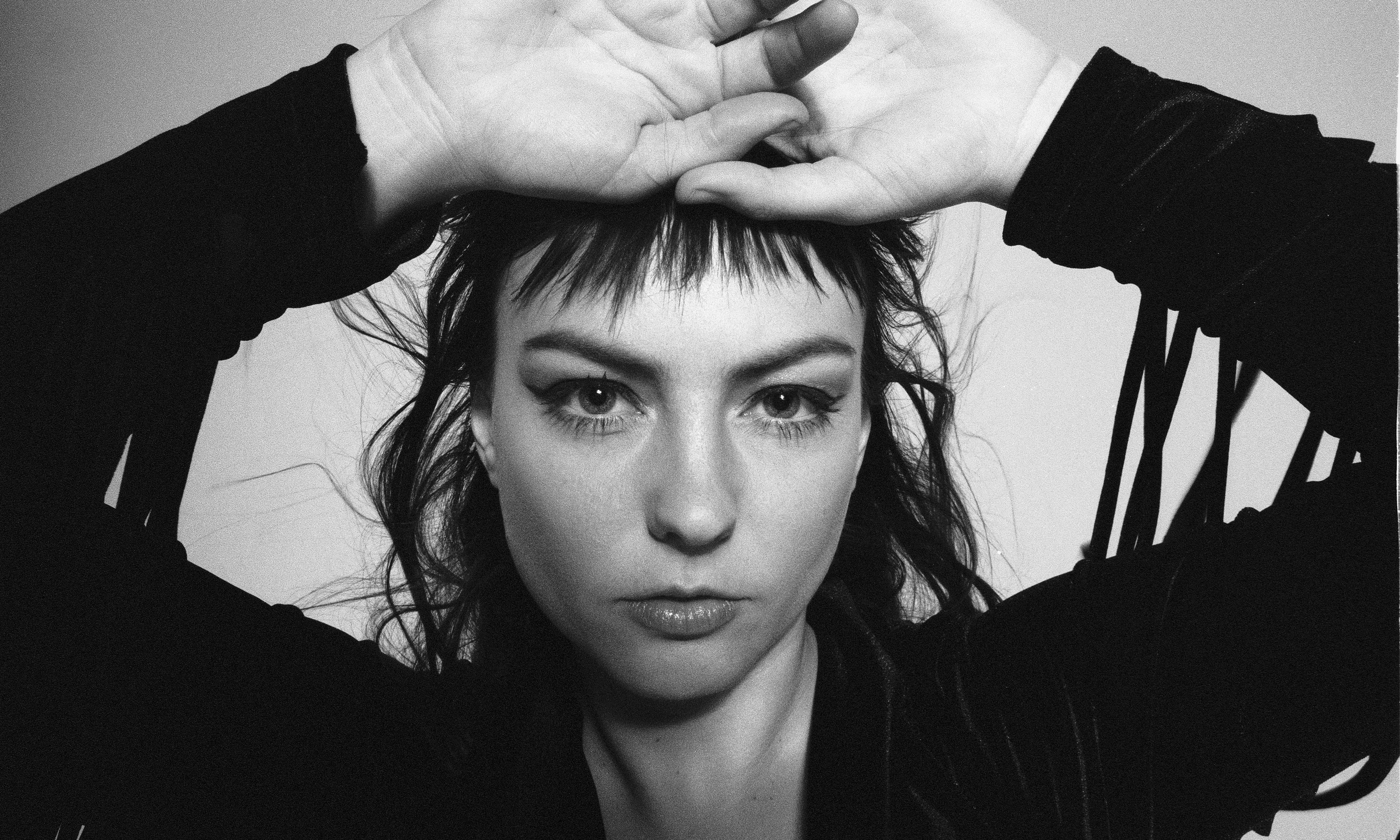 Angel Olsen: All Mirrors review – a little lost in the operatic mix