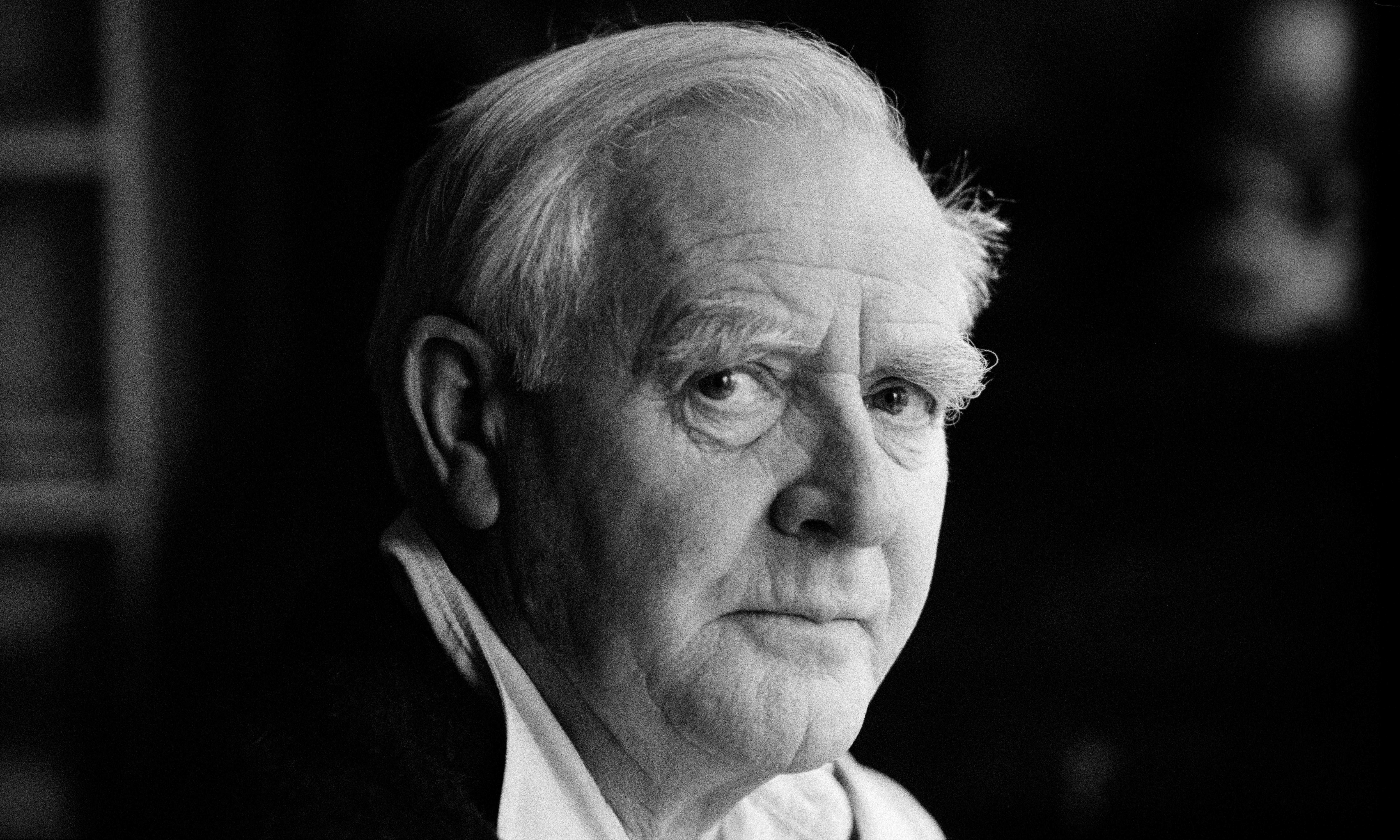 John le Carré to tackle 'division and rage' of 2018 in new novel