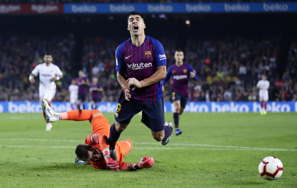Luis Suárez wins a penalty which he then scored.