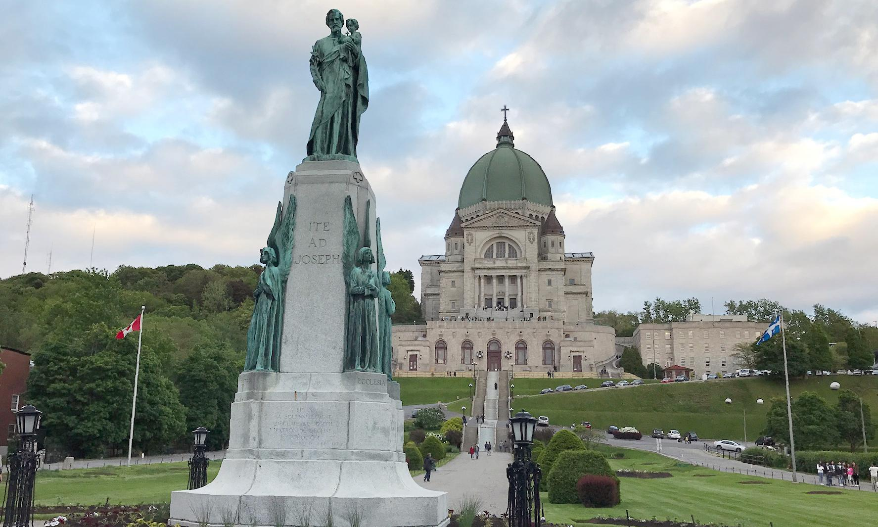 Montreal to take down 80-year-old crucifix from city chambers