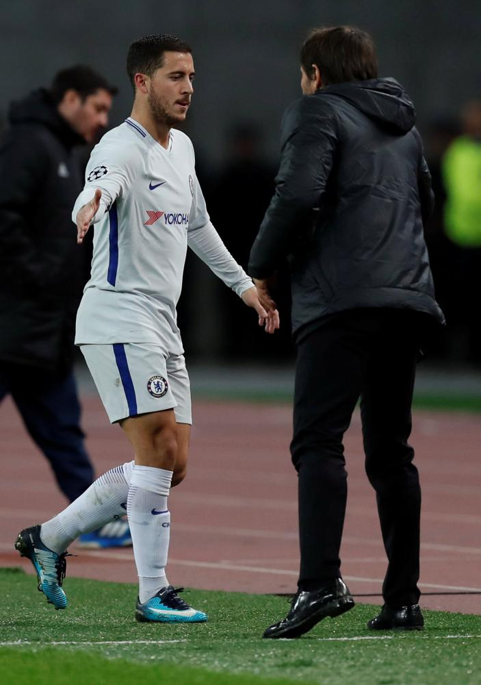 Chelsea's Eden Hazard and Chelsea's manager Antonio Conte.