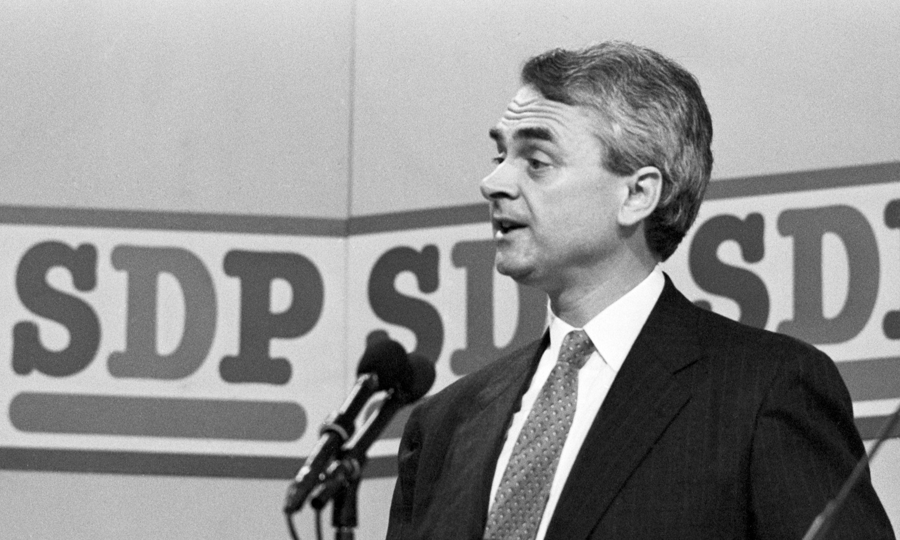 Former SDP leader and Lib Dem leader Robert Maclennan dies