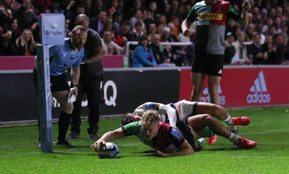 Louis Lynagh scores for Harlequins in the champions' home win over Bristol