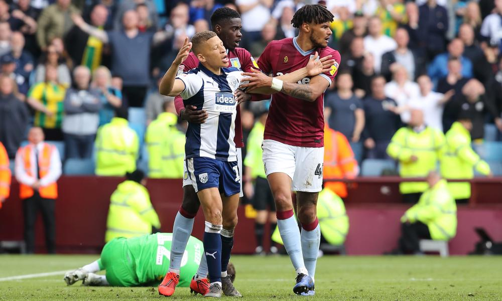 Dwight Gayle of West Bromwich Albion reacts as he receives a red card following a challenge on goalkeeper Jed Steer.