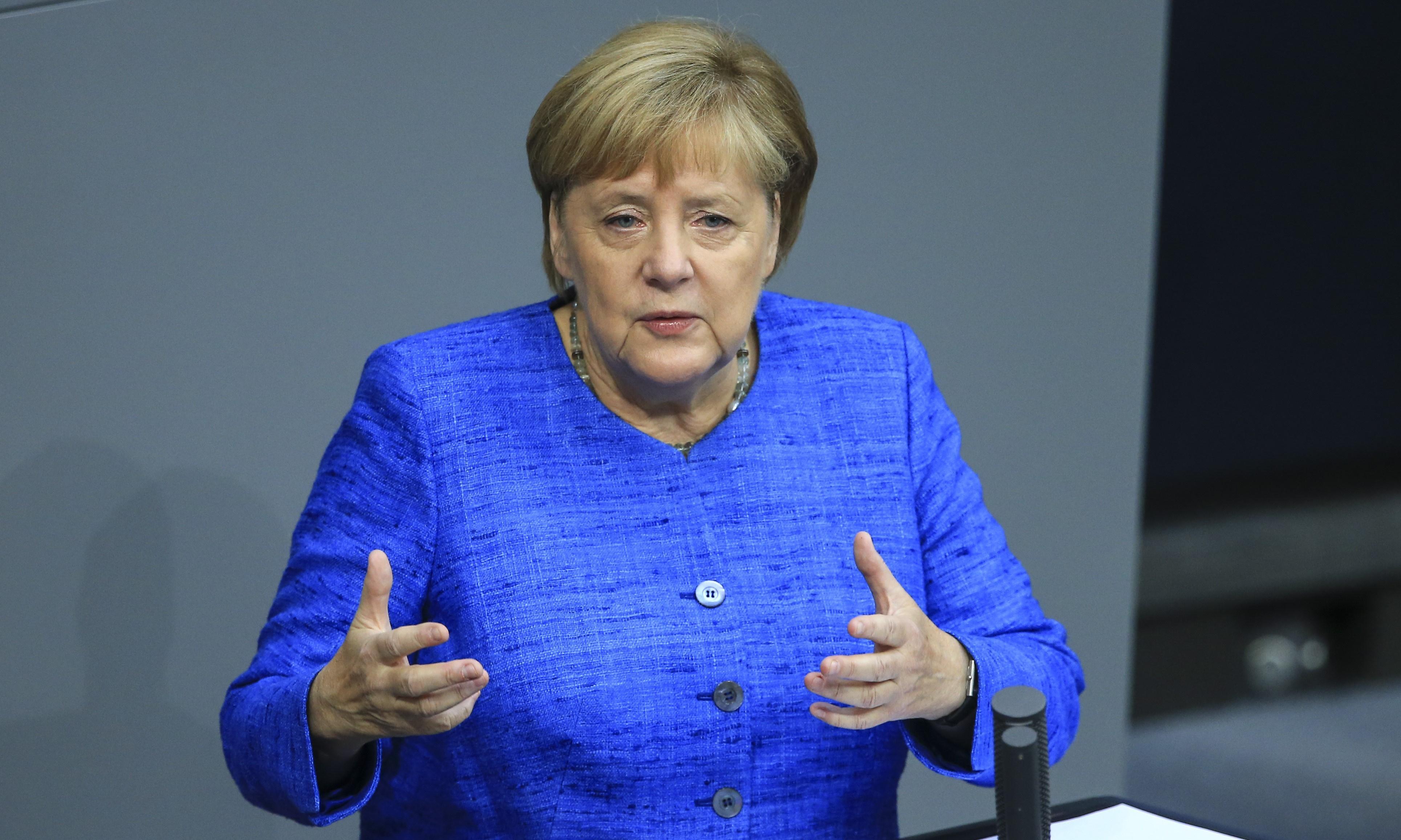Merkel warns of danger to EU of Singapore-style UK on its border