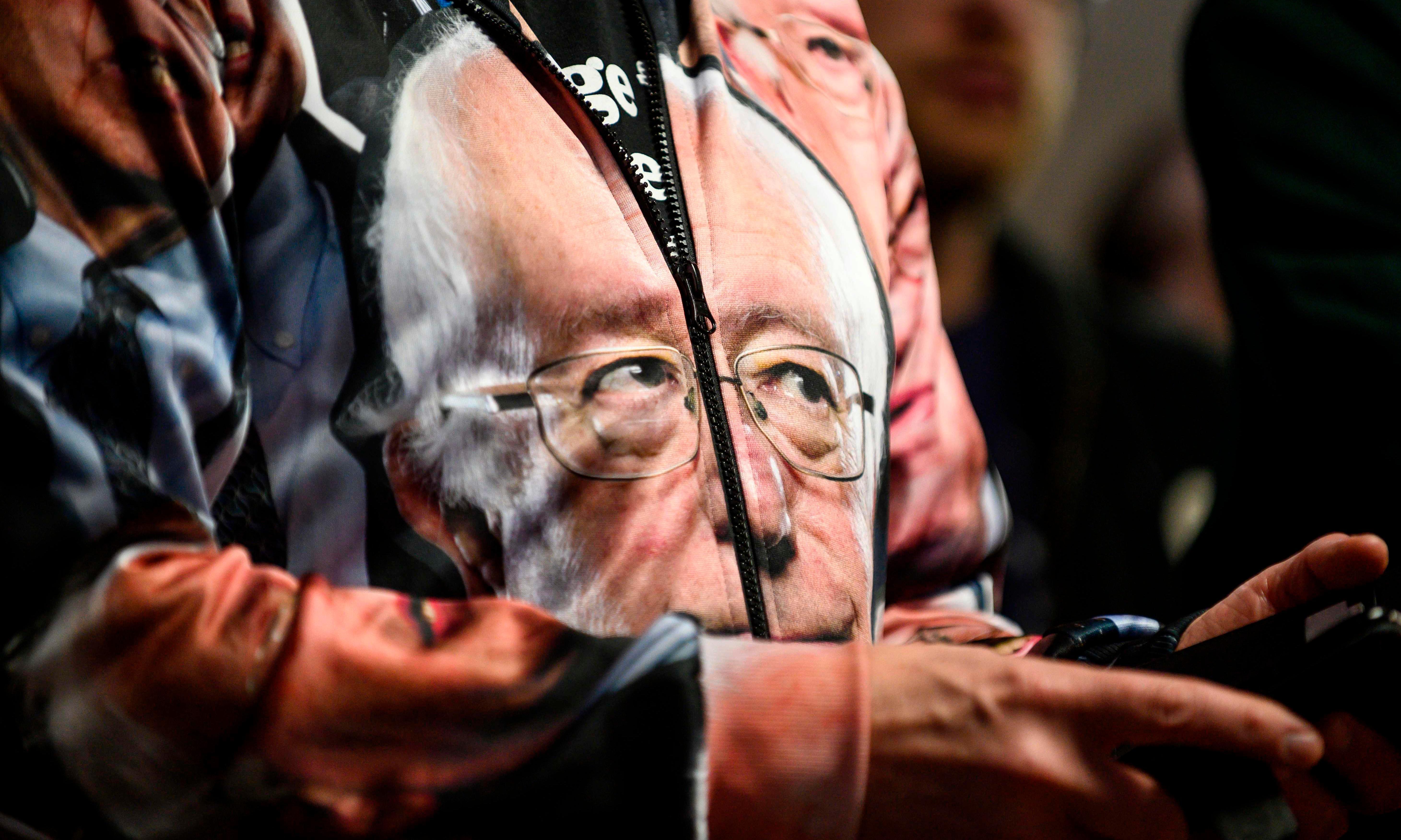Bernie Sanders surges in Iowa poll ahead of caucuses