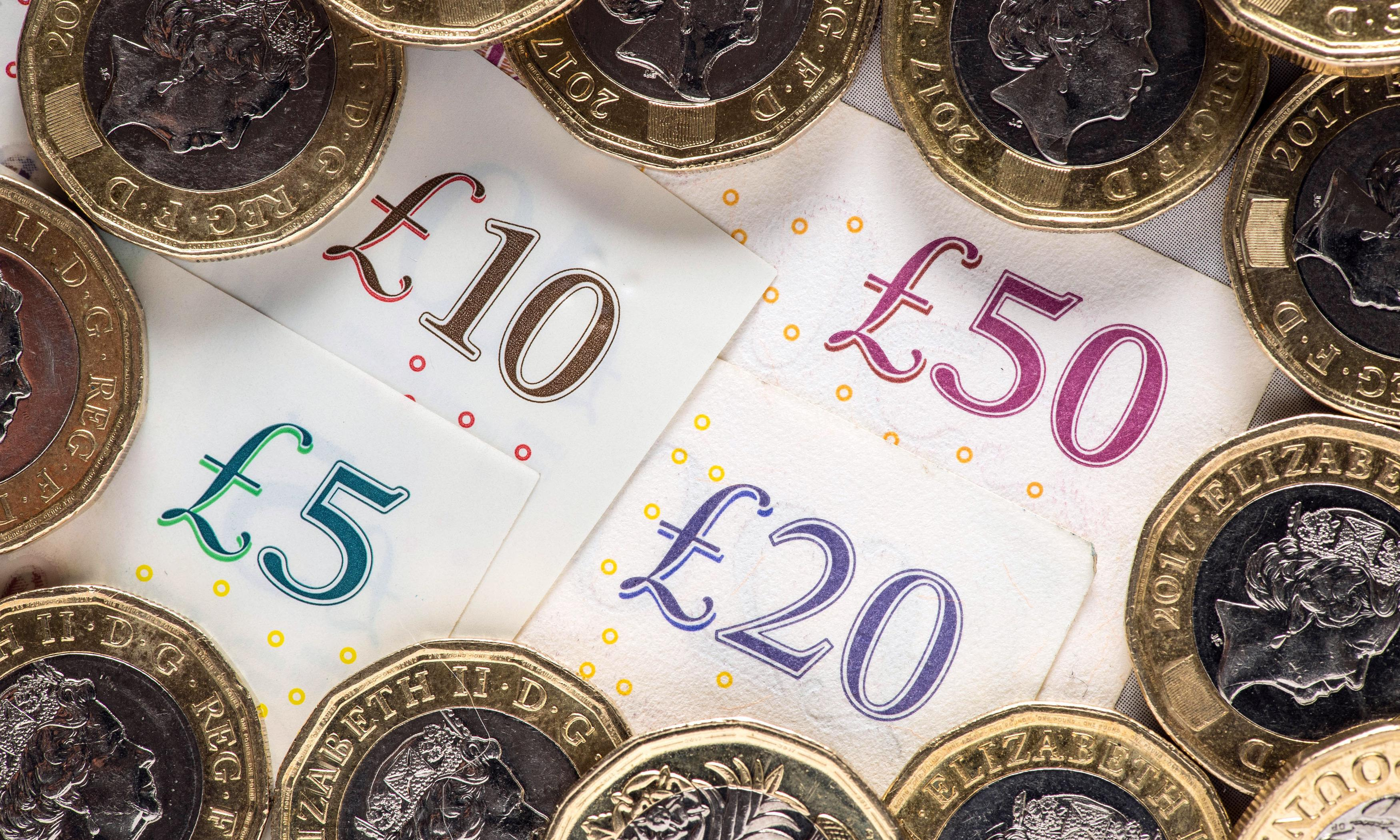 Average UK earners gained just 2p per hour in two years, TUC reveals