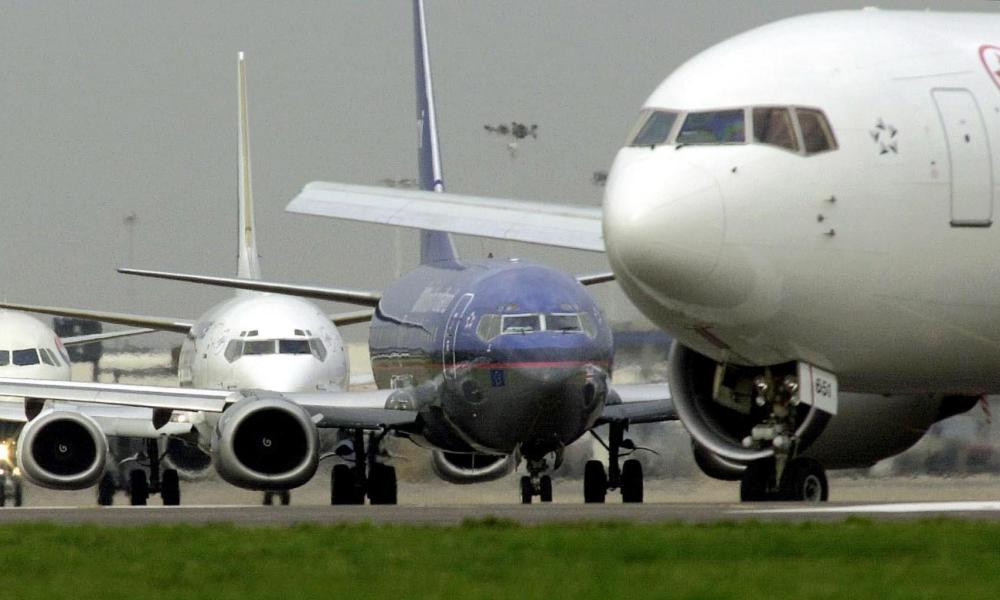 A line of aircraft waiting to take off at Heathrow