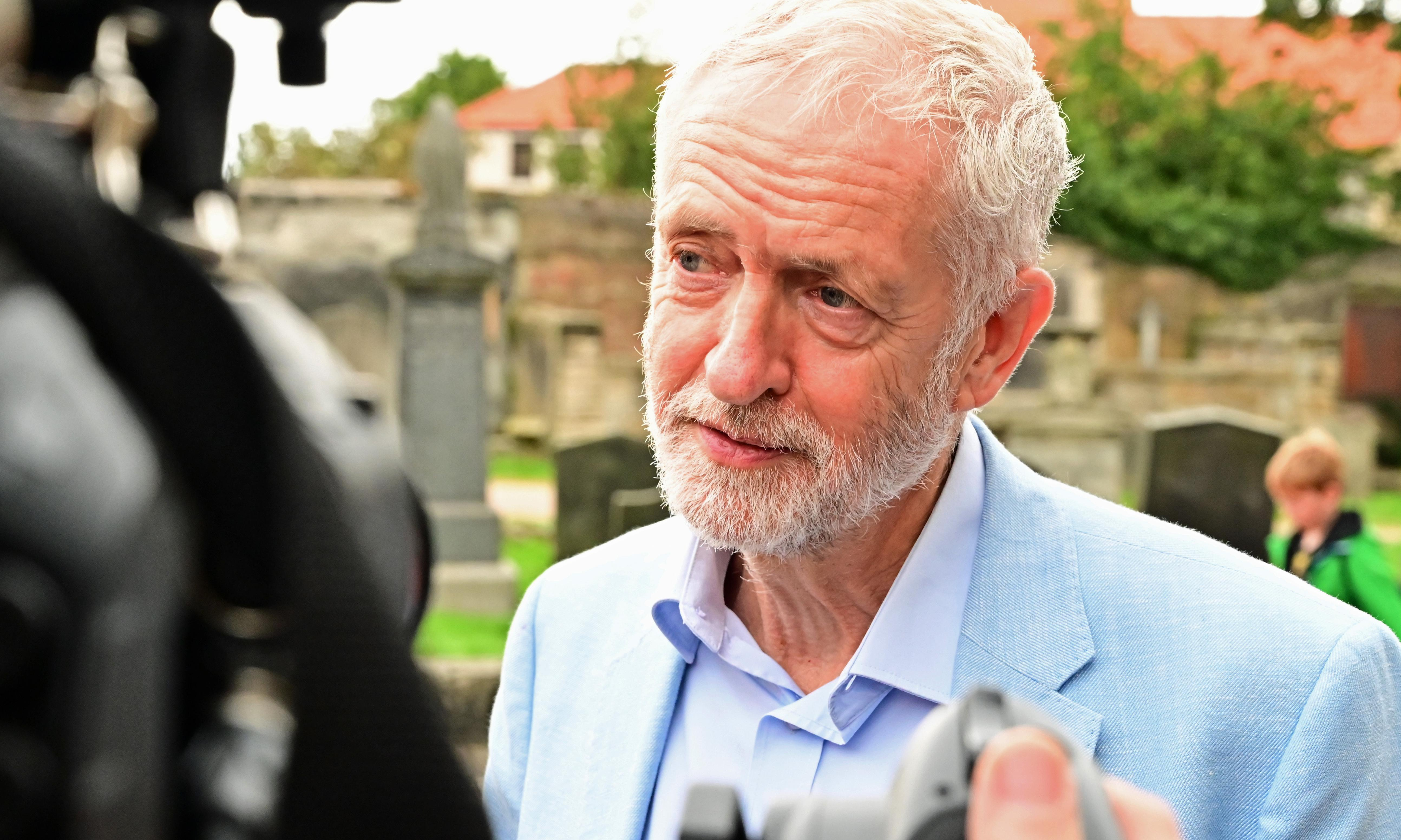 We must stop Brexit in any form, councillors tell Jeremy Corbyn