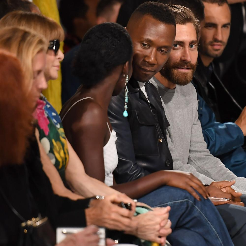 Ana Wintour, Lupita Nyong'o chatting to Mahershala Ali and Jake Gyllenhaal on the front row