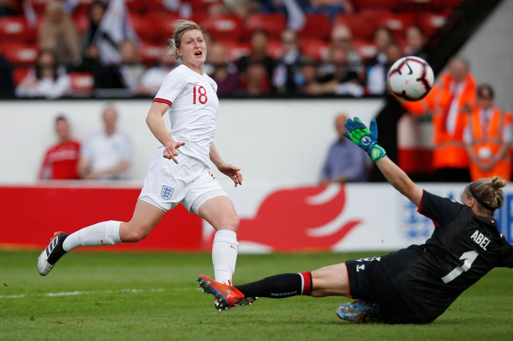England's Ellen White misses a chance to score