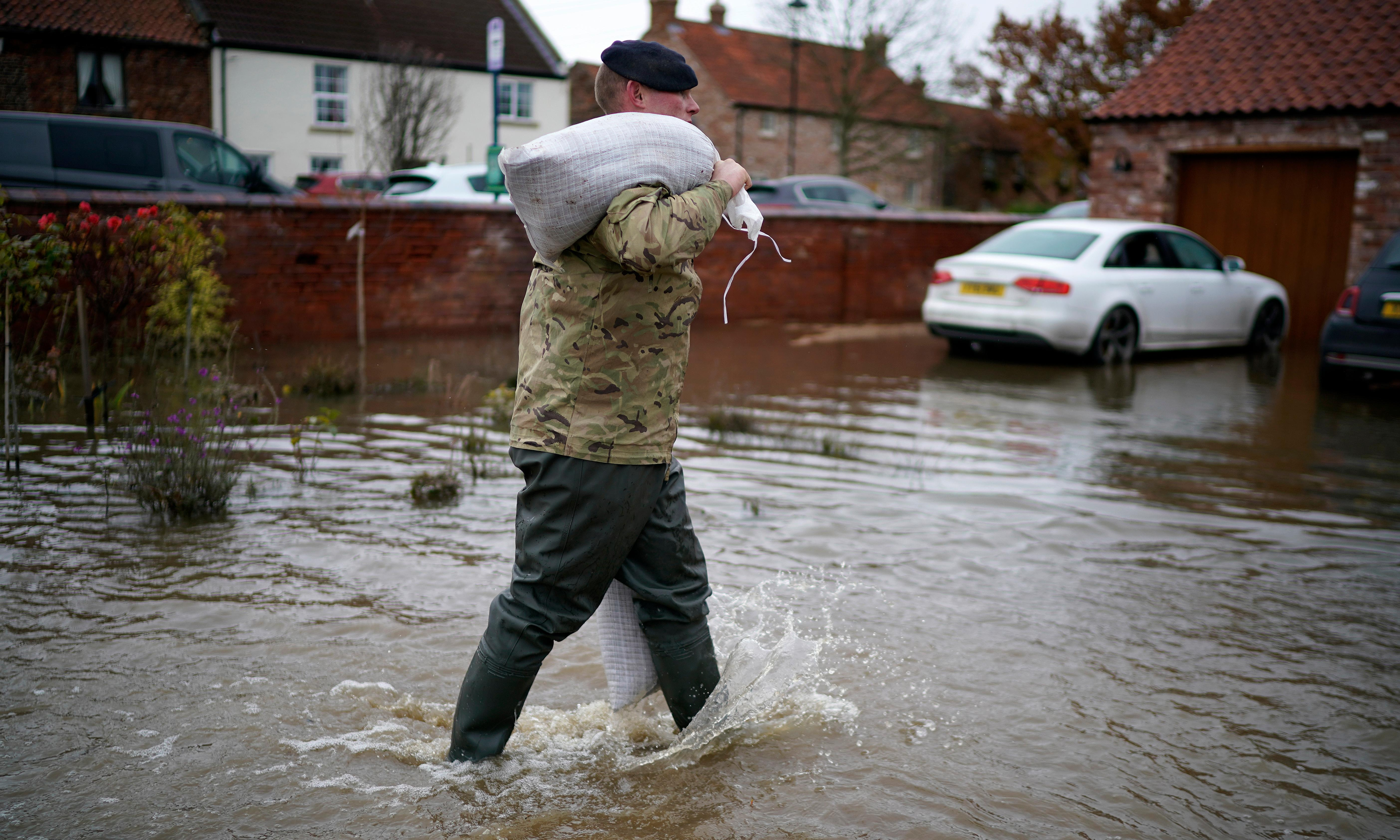 UK flood victims criticise government for 'belated response'