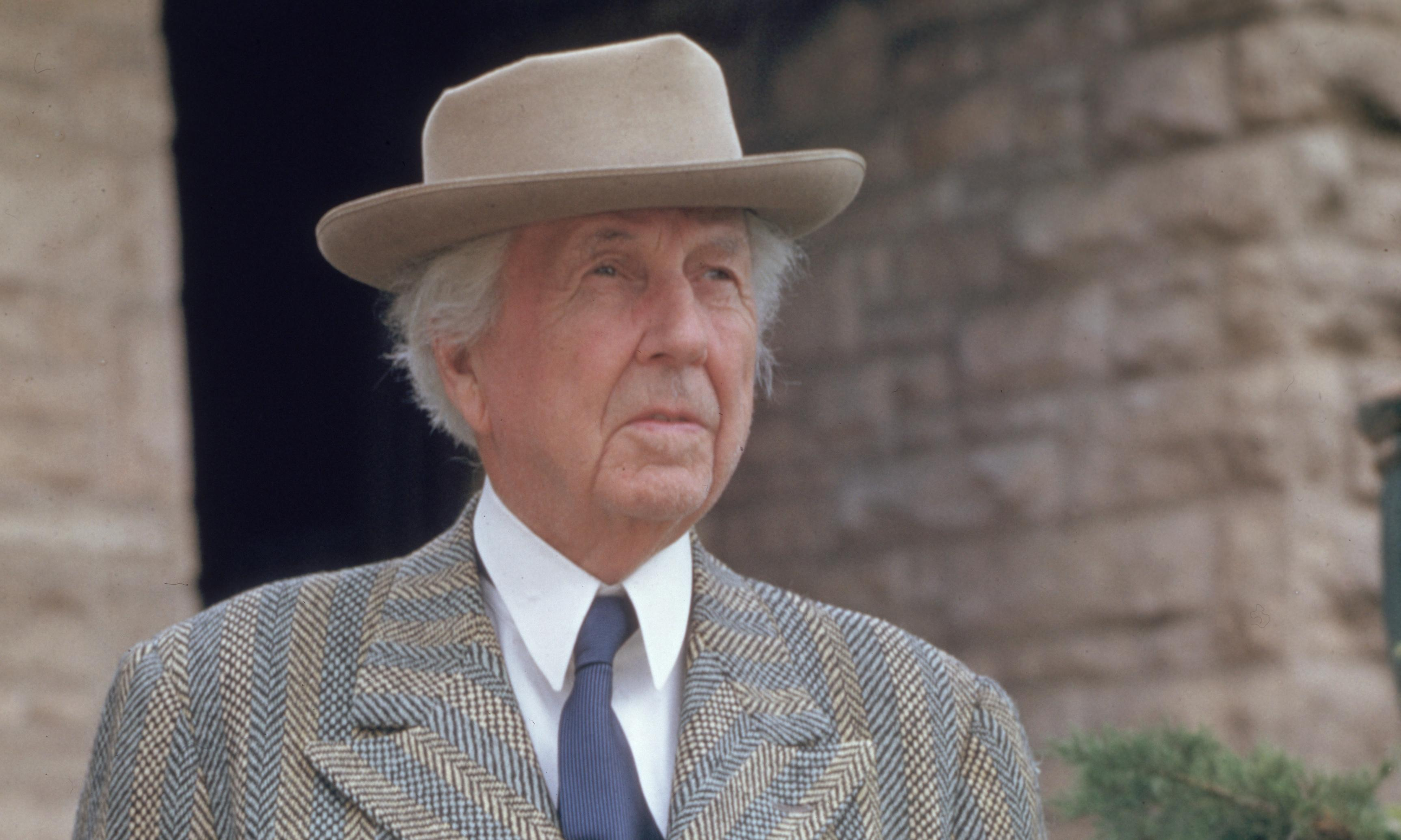 Plagued By Fire by Paul Hendrickson – Frank Lloyd Wright, a life of disaster and disarray