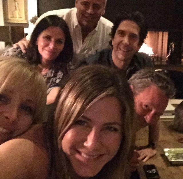 Jennifer Aniston's Instagram debut sends platform crashing