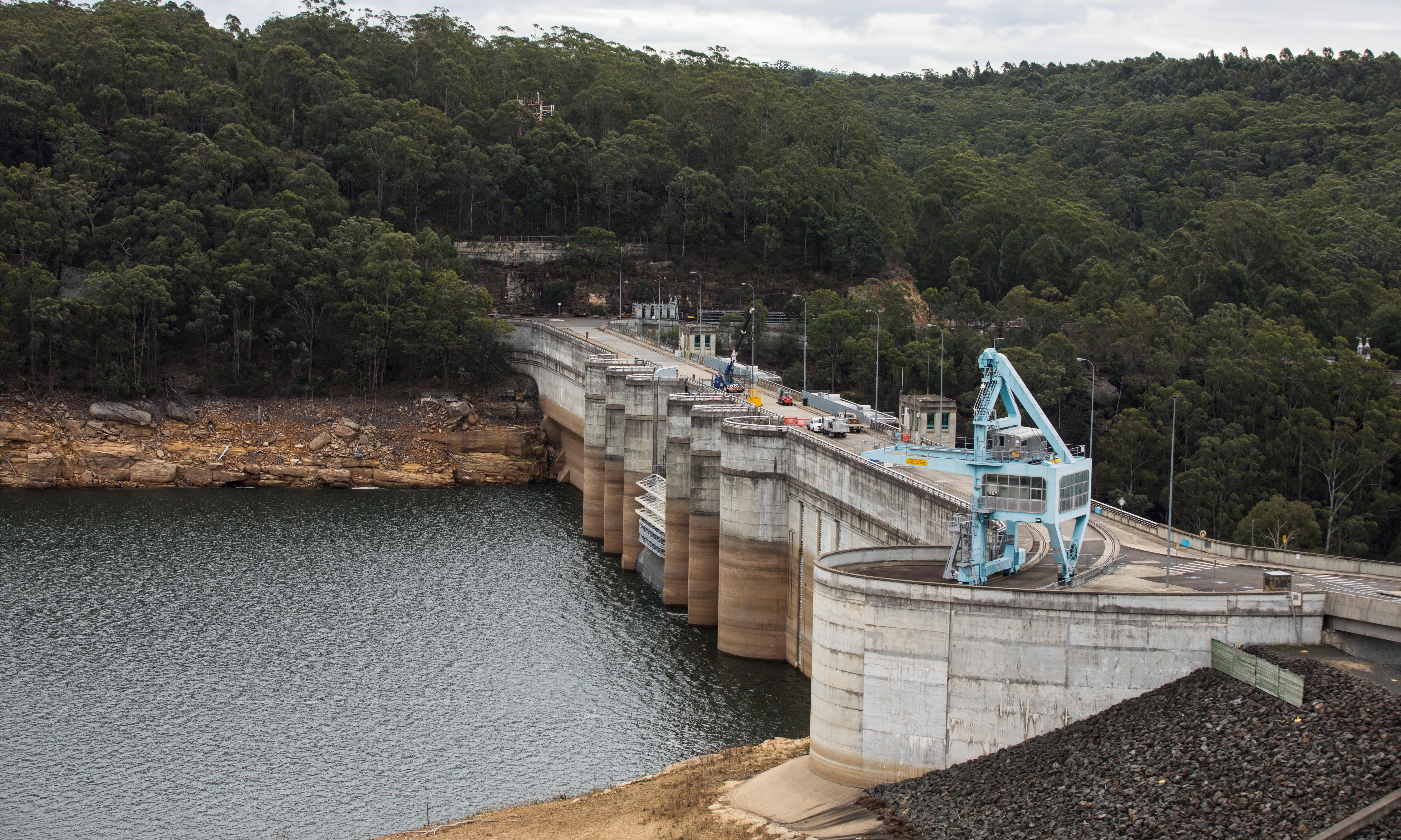 Sydney dam storage level drops below 50% for first time since 2004