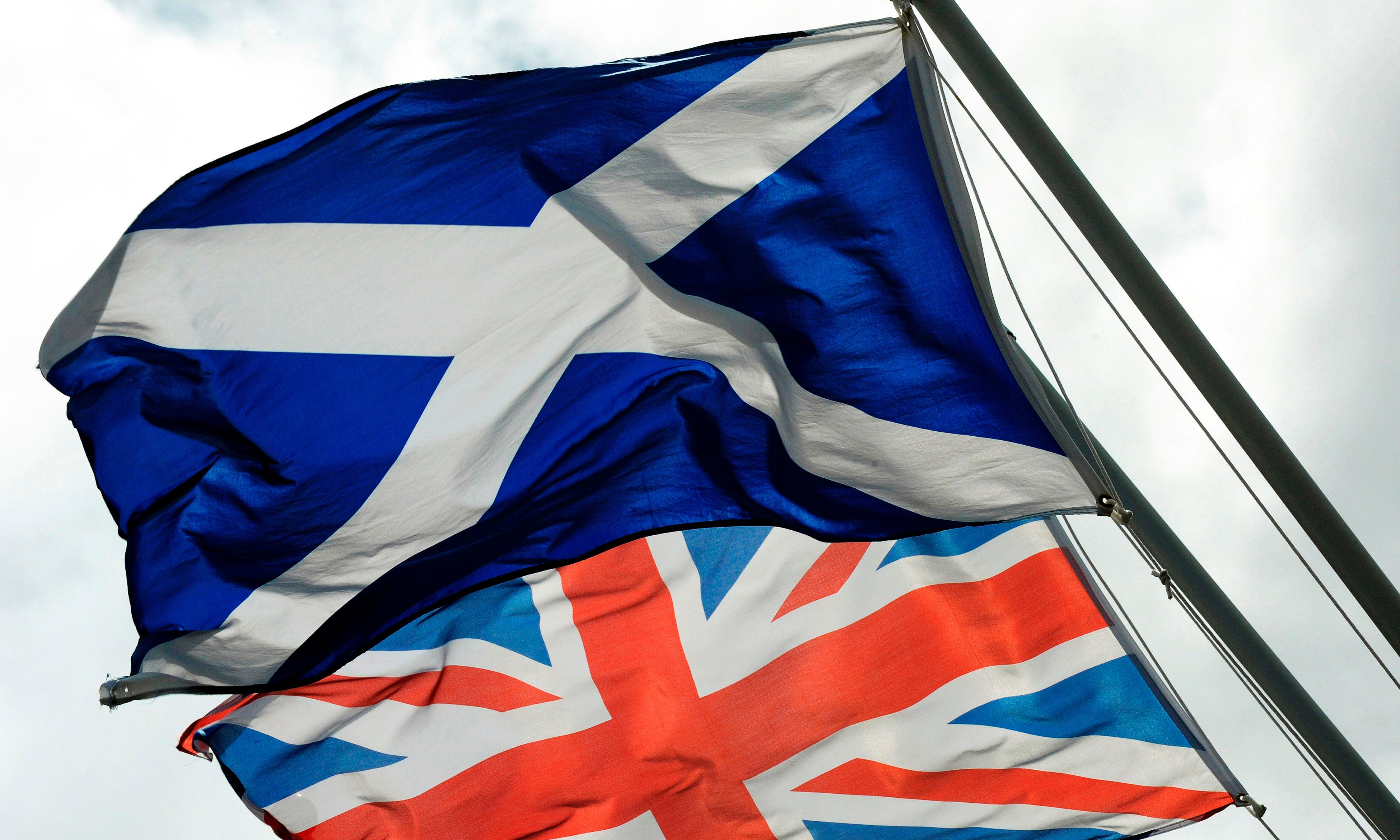 Brexit: EU citizens feel safer in Scotland than in England, report says