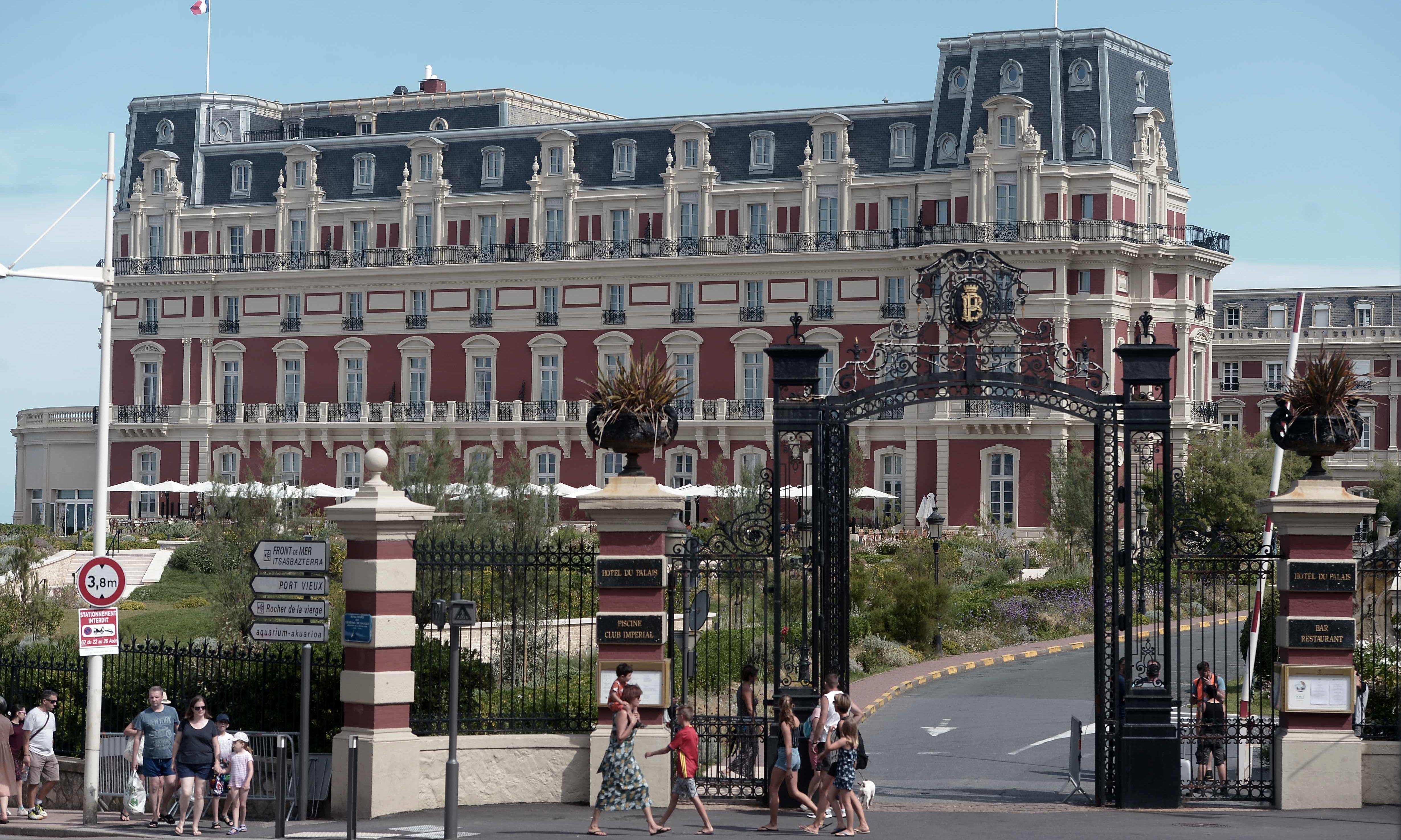 How luxury hotels such as Biarritz's Hôtel du Palais have helped shape history