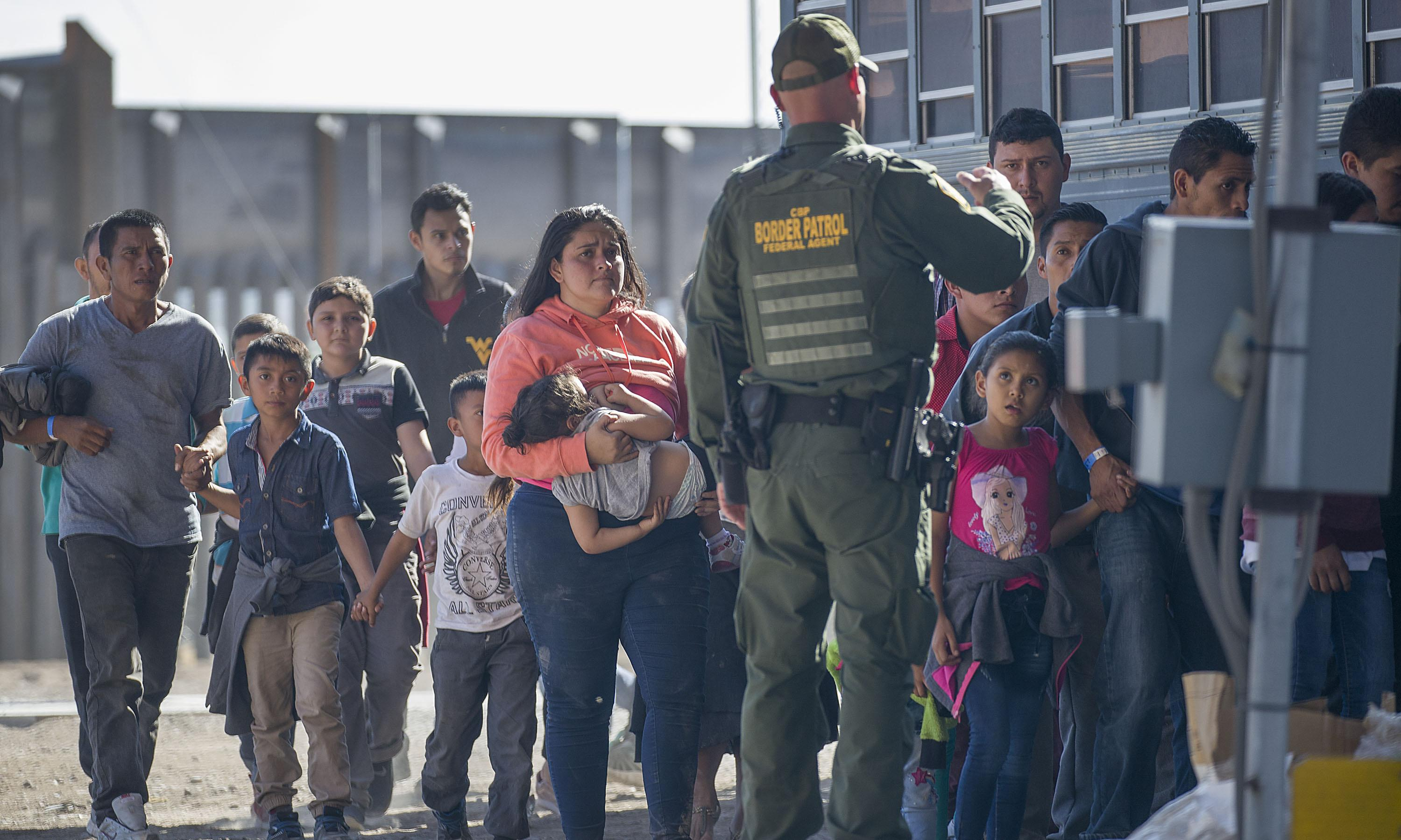 Court order allows Trump asylum rules to take effect at parts of border
