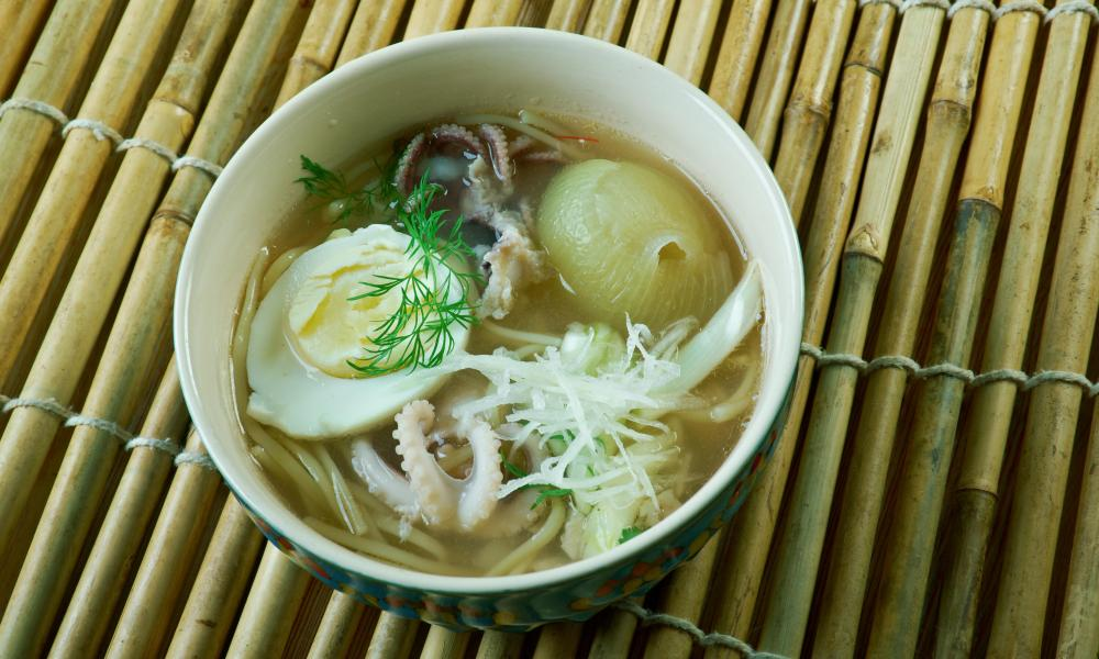 In search of burmese fish noodle soup in yangon tripulous for Rice noodle fish